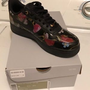 Brand new size 8 Nike Air Force 1